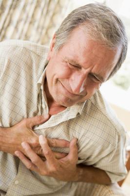 Симптомы сердечного приступа, первая помощь