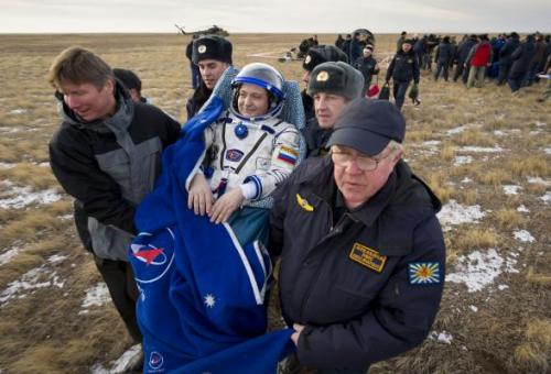 Космонавт после приземления