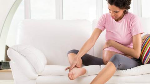При беременности отекают ноги