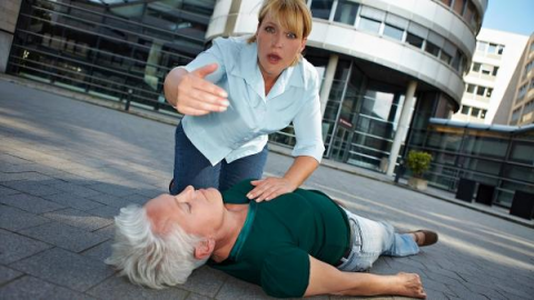 Потеря сознания на улице